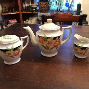 Vintage Japanese Teapot with sugar bowl and Creame